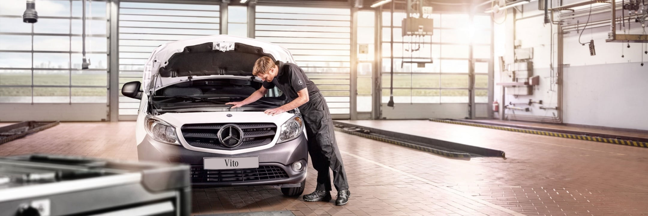 Mercedes-Benz Service and GenuineParts.