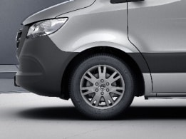 Sprinter Panel Van, 43.2-cm (17-inch) light-alloy wheels
