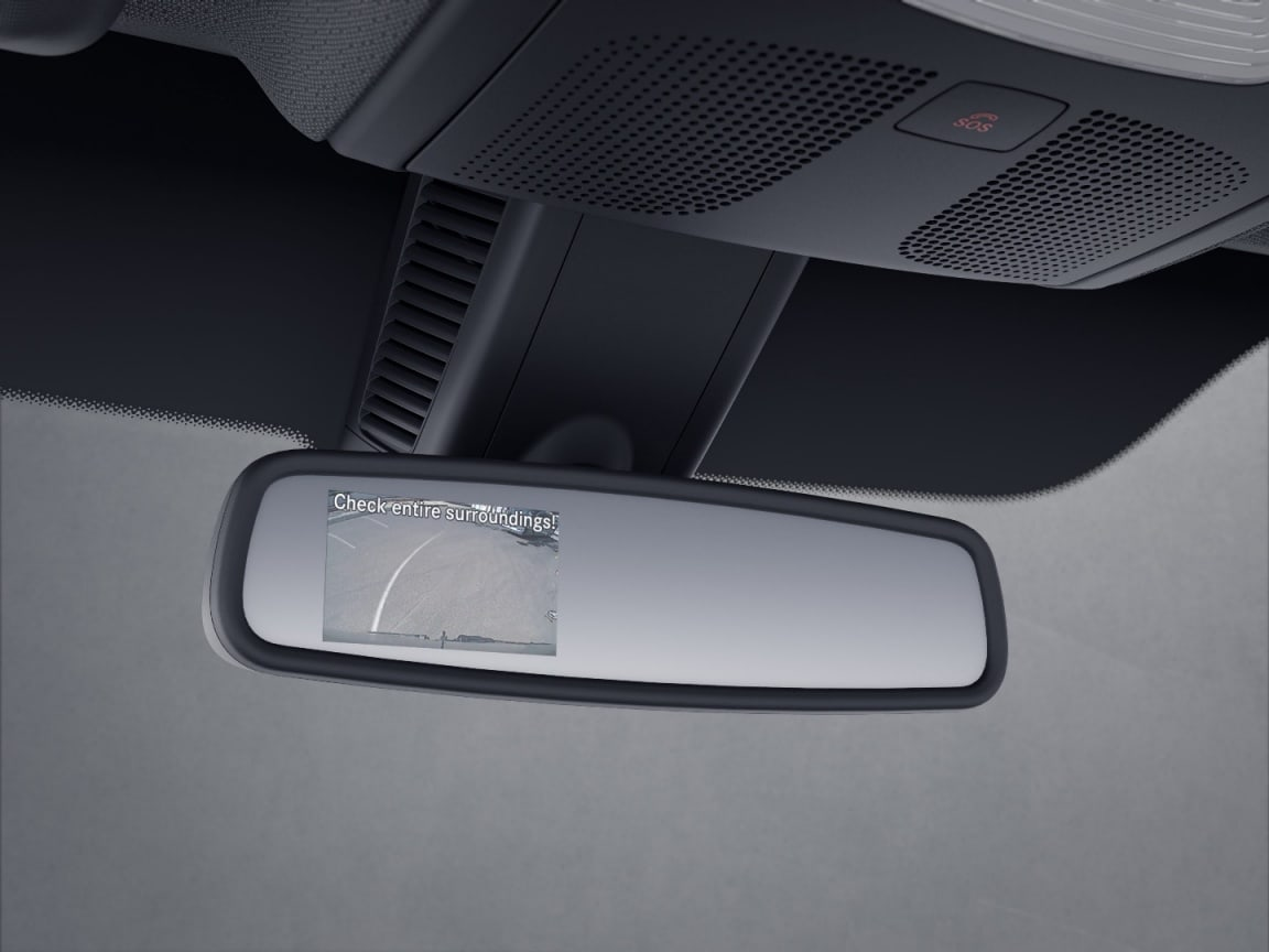Sprinter Panel Van, reversing camera with display in interior rear-view mirror